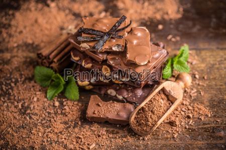 cioccolato alla nocciola scuro
