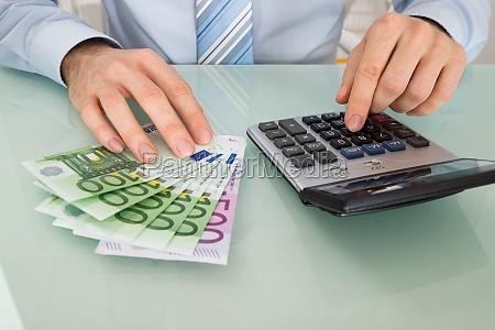 calcolatore elaboratore risparmiare salva costo affare