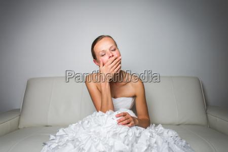 colorato nozze matrimonio convivenza stanco divano