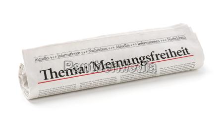 rotolo di giornale con la voce