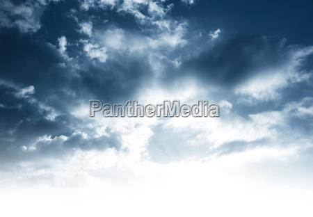 priorita bassa nuvolosa del cielo