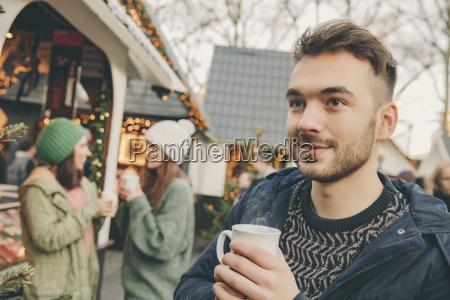 persone popolare uomo umano bicchiere bere