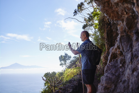 spagna isole canarie la gomera escursionista