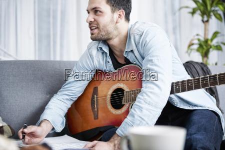 scrivere tempo libero musica gioco giocato