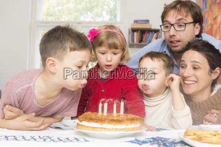 risata sorrisi cibo candela figlio freschezza