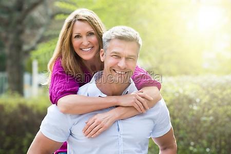 ritratto di coppia felice