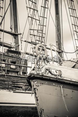 blu primo piano antico cavo barca