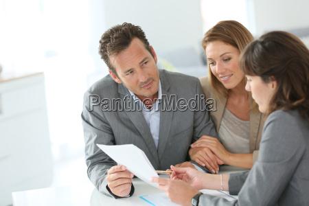 donna banca persone popolare uomo umano