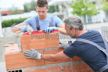insegnante professore maestro artigiano muro allaperto