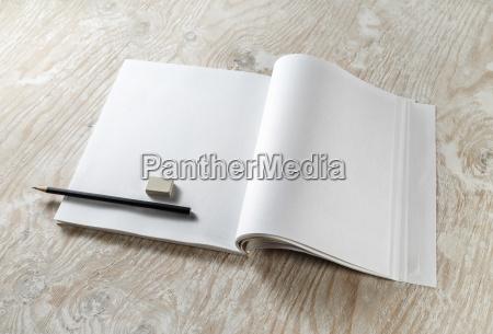 opuscolo brochure educazione vuoto inabitato taccuino