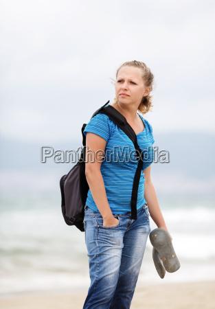donna viaggio viaggiare stile di vita