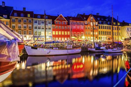 turismo sera sera cielo allaperto illuminato