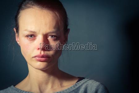 la giovane donna affetta da depressione