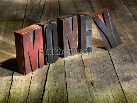 blocchi di legno ortografia denaro