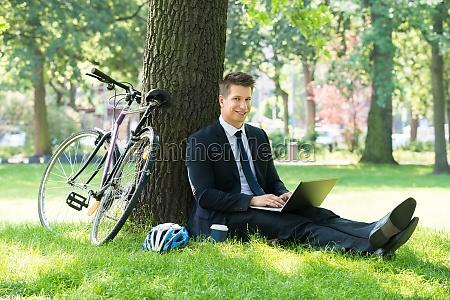 portatile computer parco giardino uomo daffari