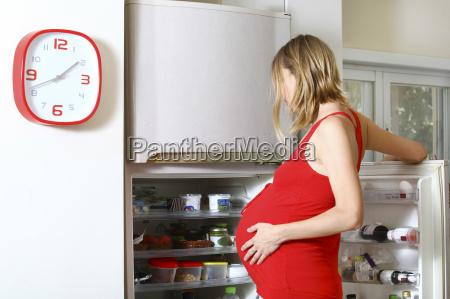 donna cibo casa in casa stile