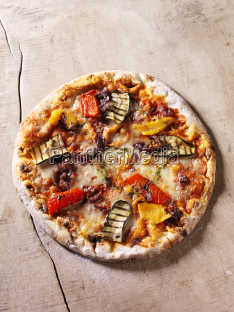 italian chargrilled pizza with courgettes peppers