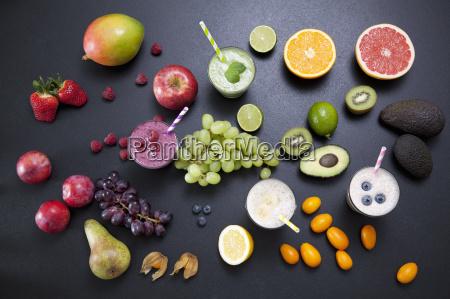 overhead natura morta di frutta fresca