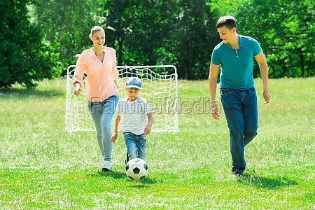 gioco giocato giocare palla contento felice