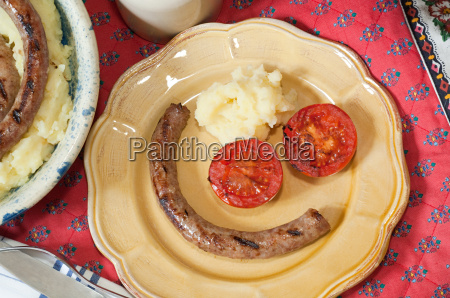 toulouse sausage with mashed potato and