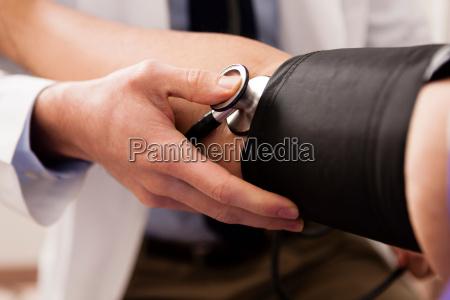 dottore medico consulenza primo piano close