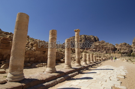colonnaded street petra unesco world heritage