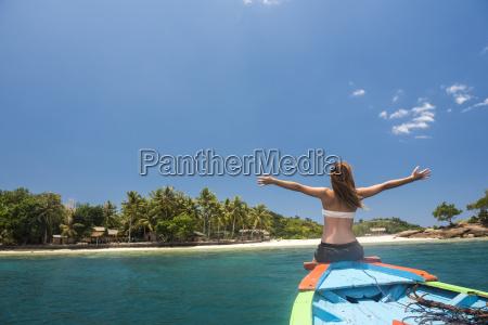 donna viaggio viaggiare colore relax femminile