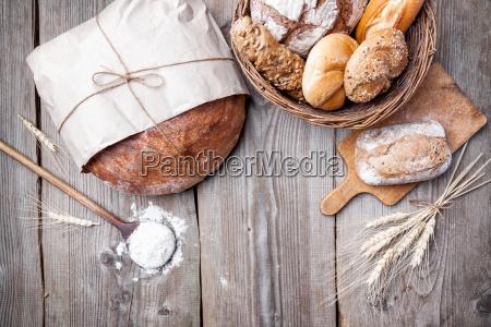 pane fresco delizioso su sfondo di