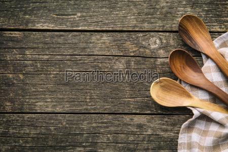 cucchiai di legno fatti a mano