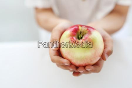 cibo mano mani salute vitamine bambino