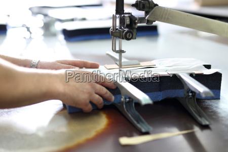 industria produzione sartoria cucire settore economico