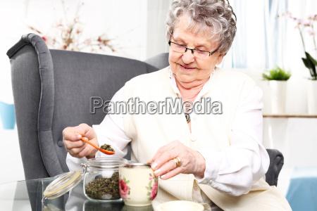 mano mani nonno nonna bisnonna eta