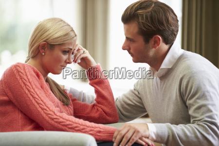 coppia donna sofferenza depressione