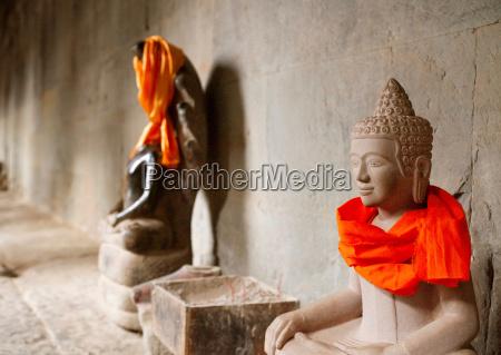 viaggio viaggiare religione tempio dio statua