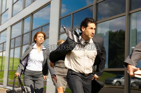 donna movimento in movimento uffici complesso