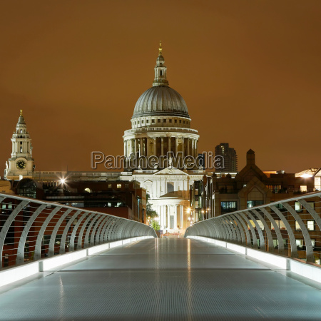 st pauls and millennium bridge londra