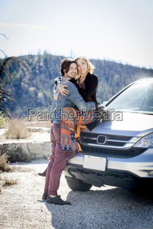 donna borsetta risata sorrisi amicizia femminile