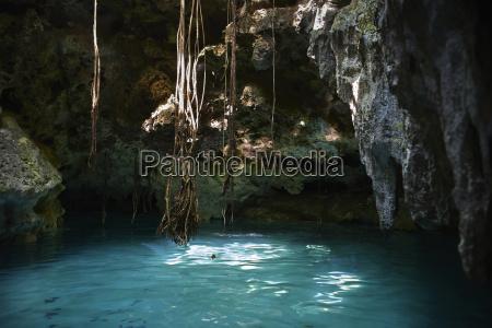 viaggio viaggiare grotta turismo luce del