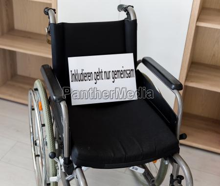 sedia a rotelle ufficio cura ospedale