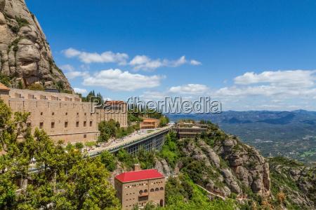 alta montagna intorno al monastero di