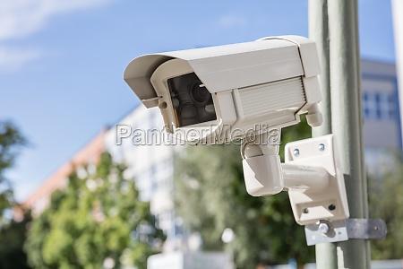 telecamera di sicurezza sulla strada
