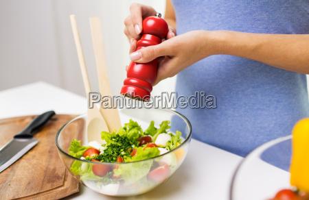 close up di insalata di verdure