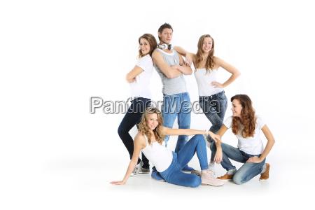 gruppo di giovani sorridenti