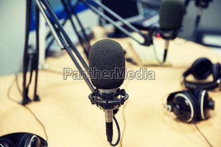 microfono studio di registrazione o la