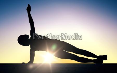 donna che fa esercitazione della plancia
