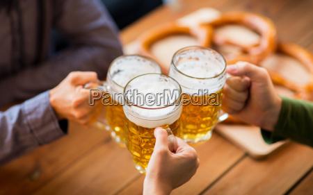 persone popolare uomo umano taverna bar