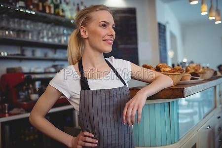 donna caffe ristorante risata sorrisi cibo