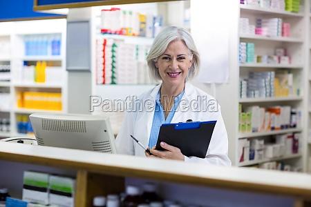 dottore medico donna risata sorrisi avoro