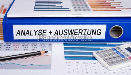 analisi e valutazione cartelle in ufficio