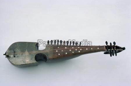 rabab strumento musicale suonato in tutto